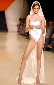 セクシーウエディングドレス
