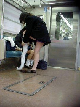 電車内の着替え
